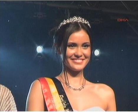 Belçika'nın en güzel kızı Zeynep...