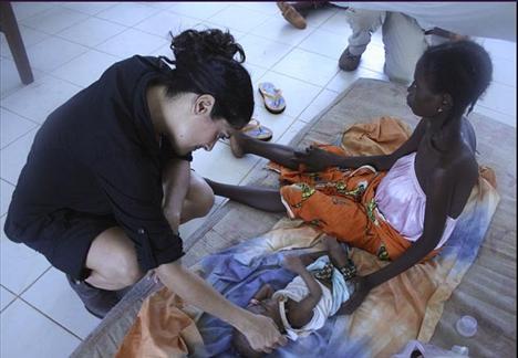 Salma Hayek, Unicef için çalışıyor.