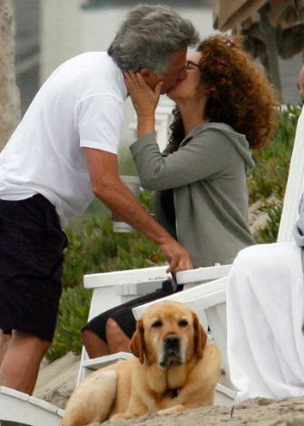 Dustin Hoffman ve eşinin yıllanmış aşkı.