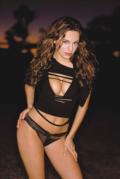 Kelly Brook - 47
