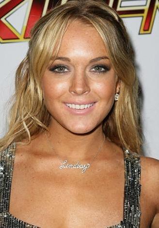 Lindsay Lohan:  22 yaşında.
