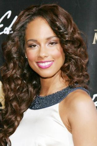 Alicia Keys:  28 yaşında