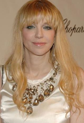 Courtney Love:  44 yaşında