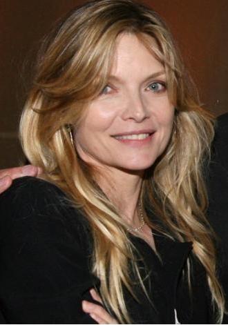 Michelle Pfeiffer:  51 yaşında.