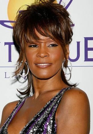 Whitney Houston  45 yaşında.