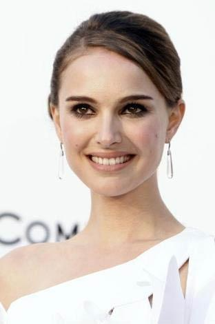Natalie Portman   28 yaşında.