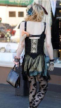 Dünyanın en kötü giyinen kadını - 3