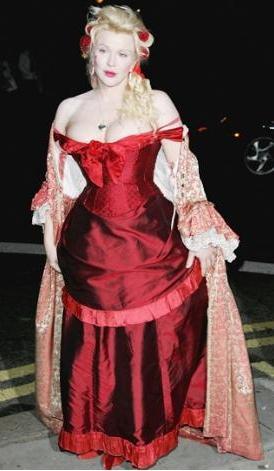 Dünyanın en kötü giyinen kadını - 27