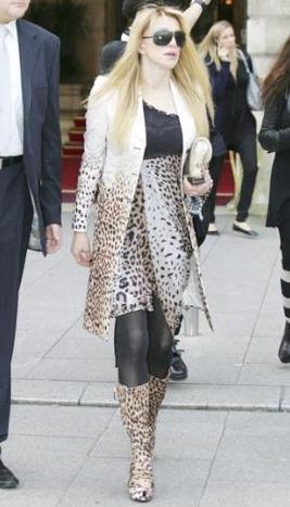 Dünyanın en kötü giyinen kadını - 32