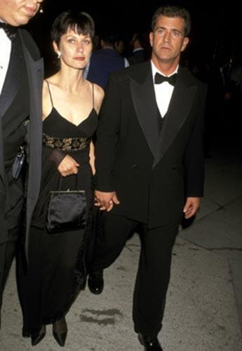 Mel Gibson & Robin Moore: 28 YIL