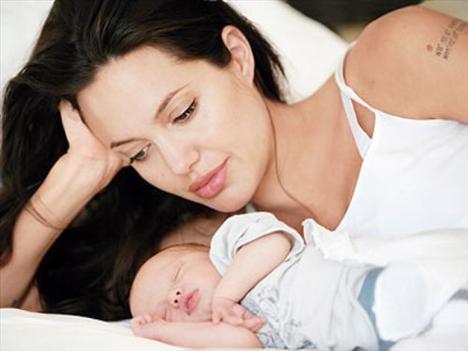 Angelina Jolie Hamile kalmam planlanmış bir şey değildi. Hazırlıksız yakalandım! Ünlü oyuncunun 'Elle' dergisine verdiği röportajından bir alıntı