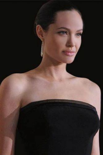 42-Angelina Jolie