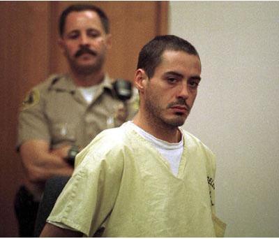 Robert Downey JR'ın uyuşturucu alışkanlığı vardı. Bu yüzden tedavi gördü.