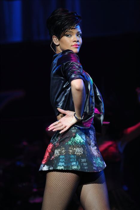 Rihanna FOTO GALERİSİ BURADA