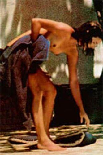 Jaqueline Onassis'in bu üstsüz fotoğrafının bedeli de 1 milyon 200 bin dolardı...