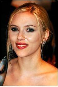 Scarlett Johansson'a ablası kadar benzeyen ünlü kim dersiniz?