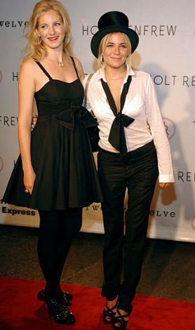 Sienna Miller ve kardeşi Savannah'nın tasarımlarından örnekler.