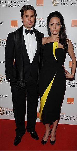 Armani imzalı elbisesiyle Angelina Jolie gecenin en şık kadınıydı.