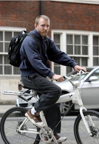 Bisikletli ünlüler - 21