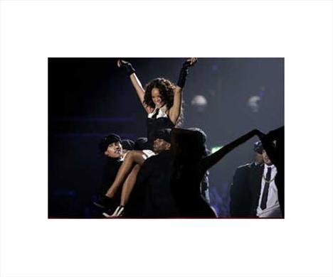 Rihanna'nın iki yüzü - 4