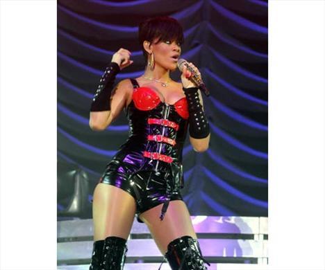 Rihanna'nın iki yüzü - 33