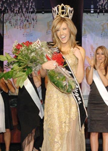ABD Nevada güzeli Katie Rees'in uygunsuz fotoğrafları herkesi şok etti.
