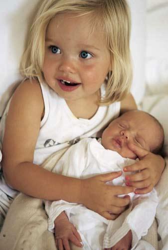 Angelina ikizleriyle! - 4