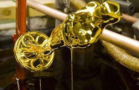 ve son olarak da 24 ayar som altınla kaplanıyor.
