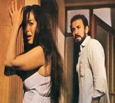 MİNE   Türkan Şoray'ın o yıkılmaz kanunlarını bir kenara kaldırdığı sayısı filmlerden biri. ürkan Şoray ve Cihan Ünal'ın başrolleri paylaştığı filmin yönetmeni Atıf Yılmaz.