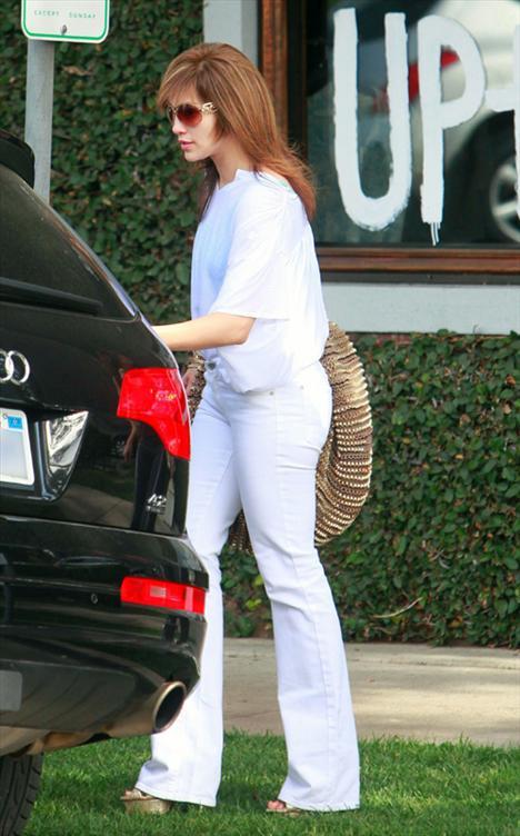 Jennifer Lopez saç kesimi ve rengiyle herkesi hayal kırıklığına uğratı.