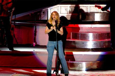 Taylor Swift - 33
