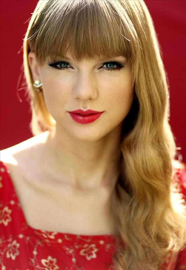 Taylor Swift - 16