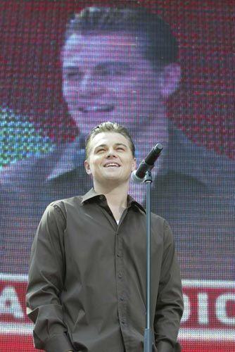 5 yaşındayken katıldığı bir yarışma programında çok yaramazlık yaptığı için kovulmuş!...Leonardo DiCaprio