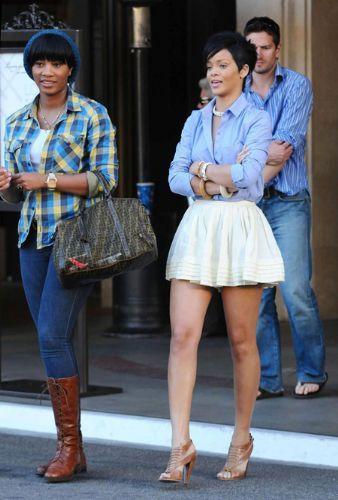 Rihanna'dan ayrılamıyor! - 10