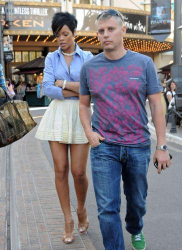 Rihanna'dan ayrılamıyor! - 11