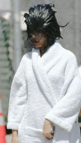 Rihanna'dan ayrılamıyor! - 13