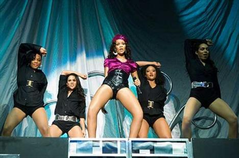 Rihanna'dan ayrılamıyor! - 26