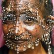 Dünyanın en fazla piercingli kadını - 15