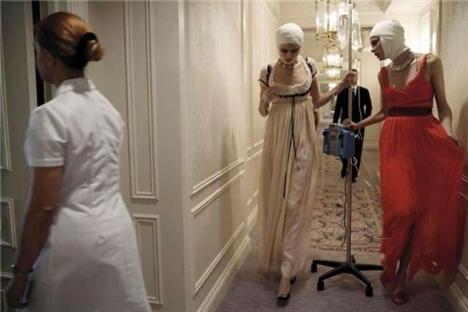 Estetik ameliyatlar ve moda birleşince - 21