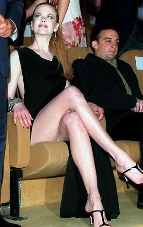 Nicole Kidman da uzun boyuna rağmen genellikle yüksek topuklu ayakkabıyı tercih ediyor.