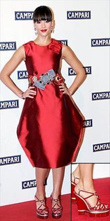 Jessica Alba- Dolce & Gabbana