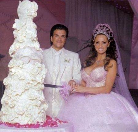 Jordon ve Peter Andre'nin düğün fotoğrafları 1,5 milyon dolar