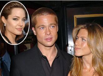"""Brad Pitt eşi Jennifer Aniston'ı bir başka ünlü yıldız Angelina Jolie için terk ettiğinden bu yana bu üçlü çok konuşuluyor. Am Hollywood'da """"üçlü aşk"""" yaşayanlar sadece Pitt, Aniston ve Jolie değil. İşte kimi zaman iki kadın bir erkek, kimi zaman iki erkek bir kadın hatta bazen de üç kadından oluşan en ünlü aşk üçgenleri."""