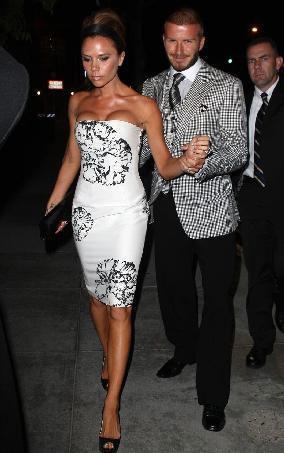 Dünyanın en karizmatik erkeklerinden David Beckham'ın hayatındaki en büyük aşkı Victoria Beckham.. Çift 1999'dan bu yana evli ve üç çocukları var. Görünüşe göre de birbirlerini hala çok seviyorlar. Ama kısa bir süre Beckham çiftinin evliliği de bir sarsıntı geçirdi.