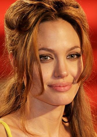 İlk sırada Angelina Jolie var. Kural yine bozulmadı...    Foto Galeri