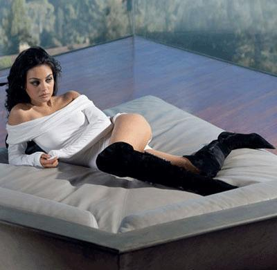Mila Kunis (25)
