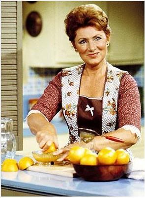 Tarihin unutulmaz ev kadınlarından biri de Marion Ross'un Happy Days'de (Mutlu Günler) oynadığı Marion Cunningham.