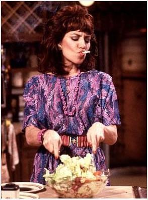 Evli ve Çocuklu adlı dizide Katey Segal'ın oynadığı Peg BUndy karakteri nasıl unutulabilir ki.