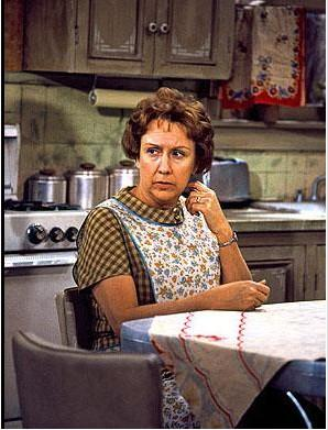 Jean Stapleton'ın All In The Family'de oynadığı Edith Bunker karakteri.