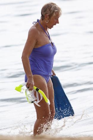 Helen Mirren, 66 yaşında bir çok kadını kıskandıracak kadar iyi görünüyor.
